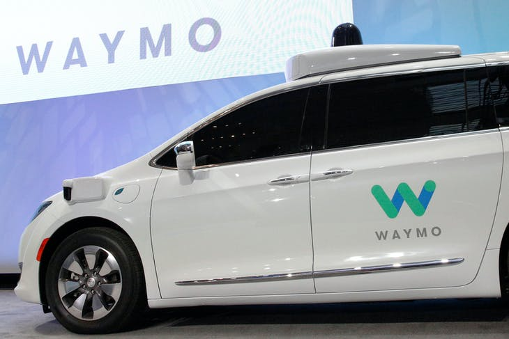 Waymo unveils a self-driving Chrysler Pacifica minivan during the North American International Auto Show in Detroit, Michigan, U.S., January 8, 2017.  REUTERS/Brendan McDermid - RC183AD3D9E0